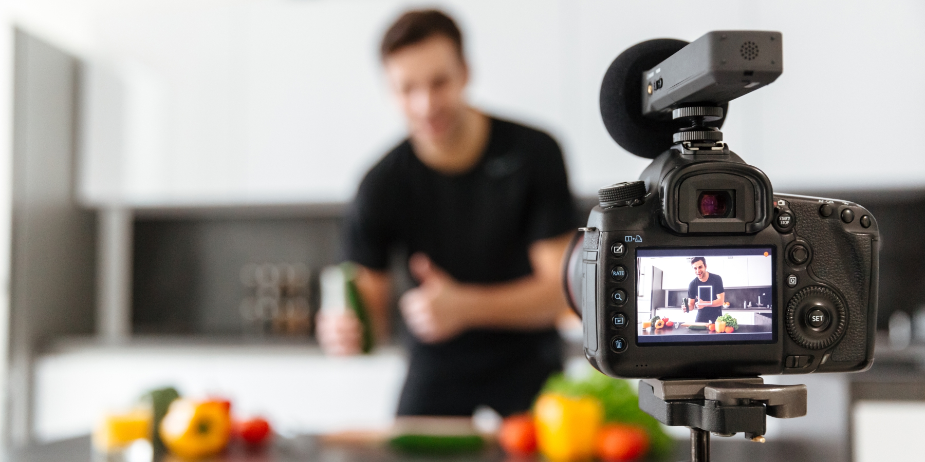 How To Make a Vlog Which Attracts New Customers